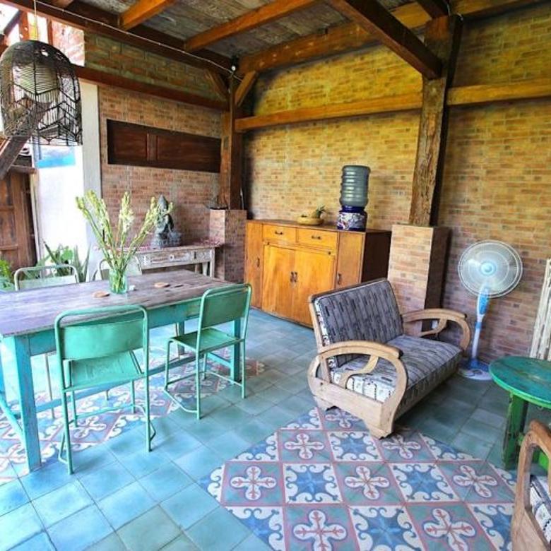 Villa stil joglo antik  view sawah di kayutulang