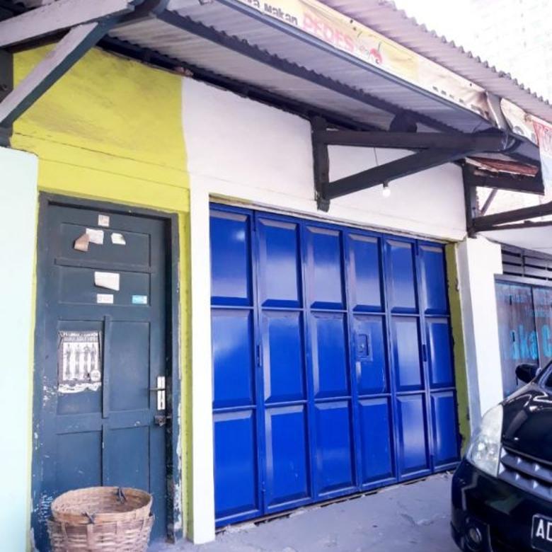 Kios Usaha Dekat Jalan Raya Penumping Surakarta (TN)