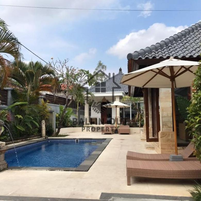Disewakan villa cocok untuk tempat tinggal di semer kerobokan