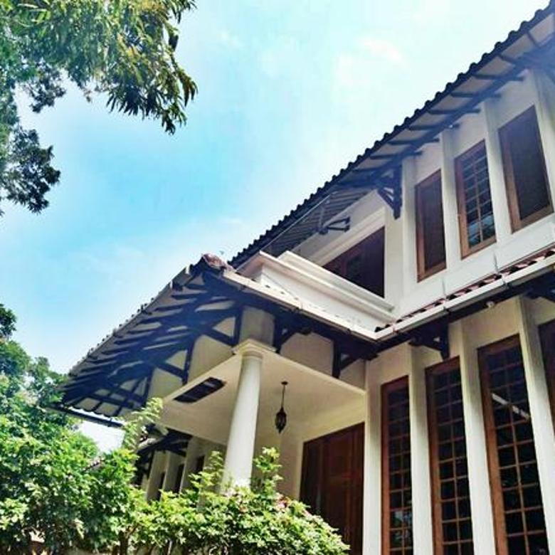 Rumah di Jalan Wijaya Kebayoran Baru, Jakarta Selatan