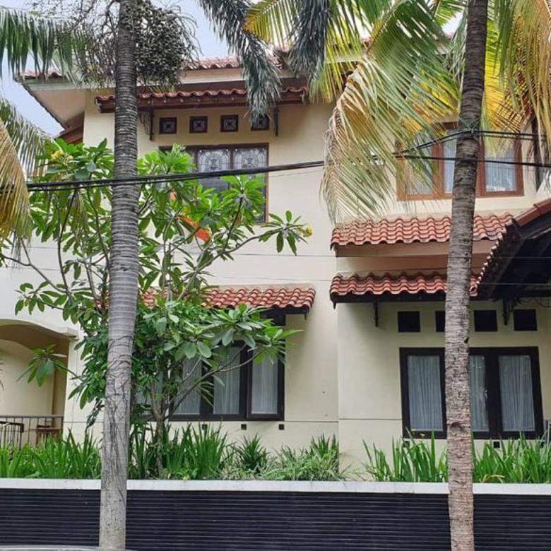 Rumah Mewah Full Furnished Harga Murah di Margonda Depok