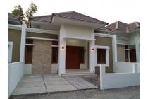 Dijual Rumah SIAP HUNI dengan desain Mewah di GRIYA DEKA Purwomartani