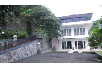 Dijual Villa Adelina Megamendung Puncak