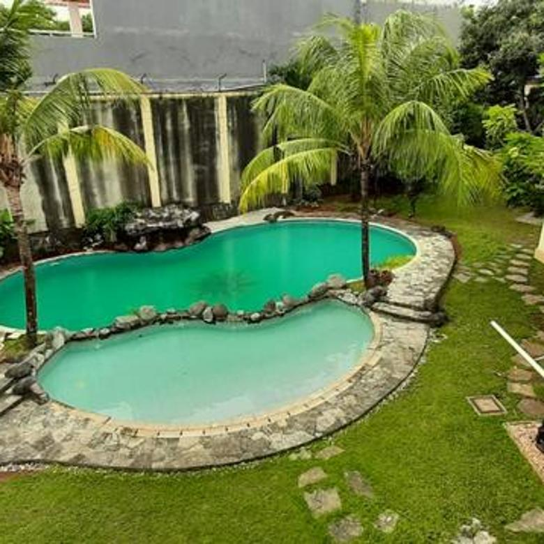 Rumah Mewah, Ada Pools di Bintaro Jaya Sektor 3