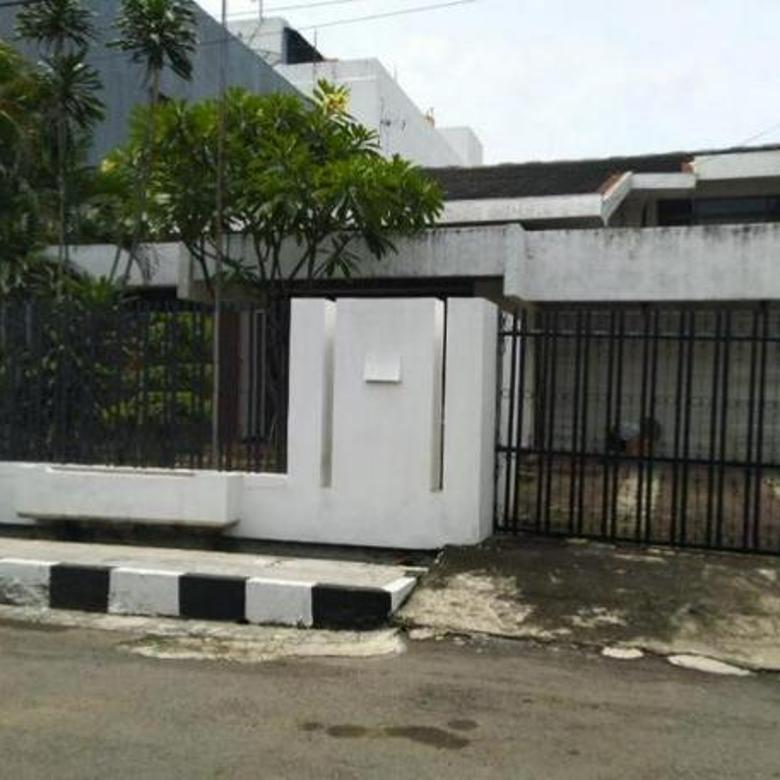 Rumah Terawat 1,5 Lantai Manyar Kertoarjo Lokasi Strategis