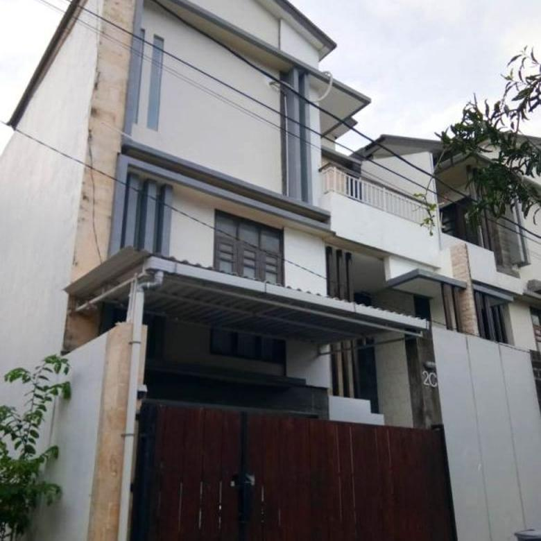 rumah 3 lantai di jimbaran,dpt 3 akses jalan,siap huni