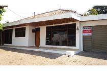 Disewakan rumah di lokasi strategis Jl Cihampelas Bandung