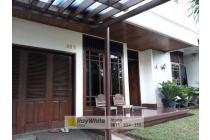Rumah Semi Kolonial di Selatan Jakarta