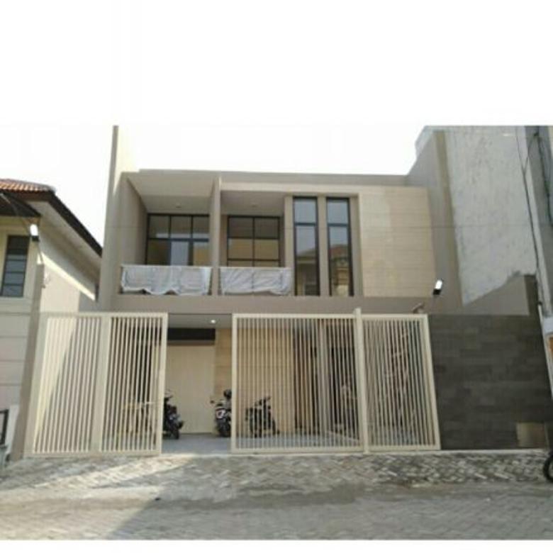 dijual rumah baru gress di Panjang Jiwo Permai dekat Ubaya