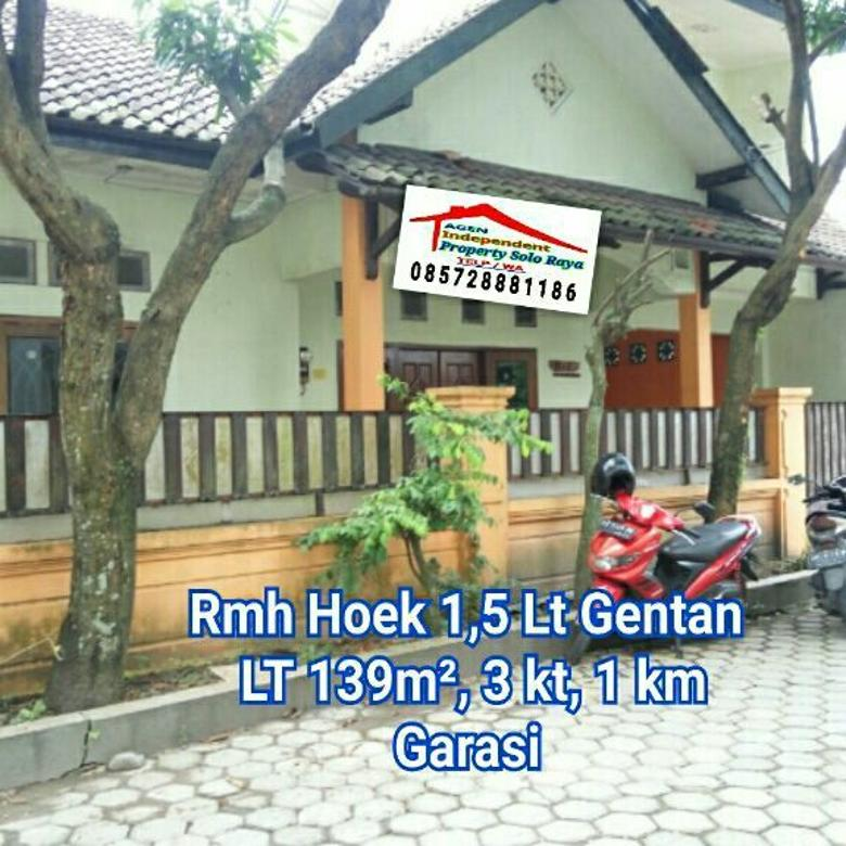 Rumah Hoek LT 139m² di Gentan Sukoharjo