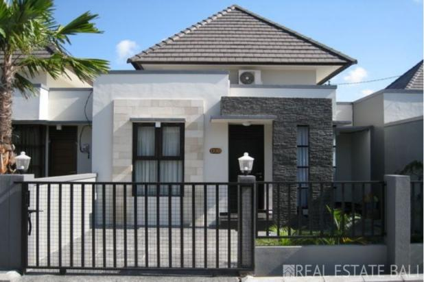 Simple minimalist house with 2 bedrooms for sale in jimbaran for Minimalist house for sale