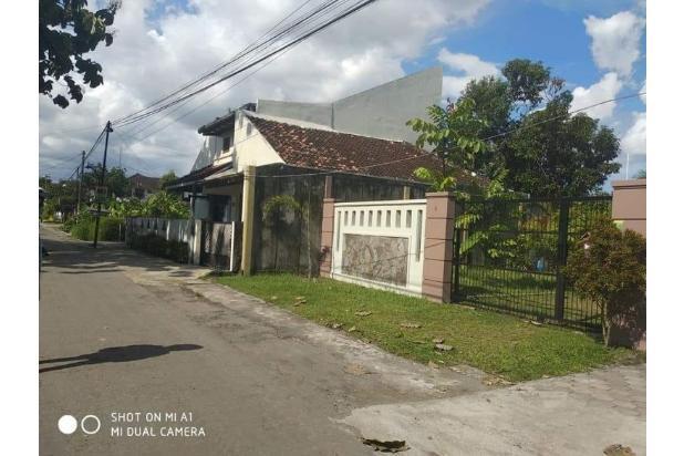 Ada Water Heater, Rumah 4 Kamar Tidur di Banguntapan 18274657