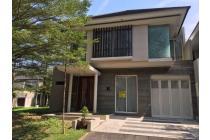 Rumah mewah dalam perum elit dekat bandara adisucipto lote mart