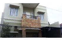 Rumah 2,5 lantai siap huni di Kav AL Duren Sawit Jakarta Timur