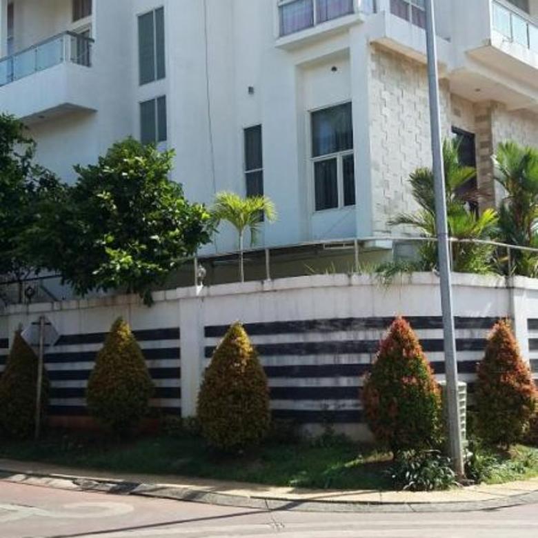 Rumah Hoek 3 lantai Bukit Gading Mediterania : Lt. 17x27