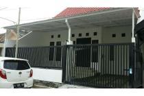 Rumah Siap pakai, bebas banjir, strategis di Manyar, Surabaya