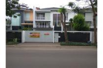 Rumah cantik pinggir jalan di Citra 6