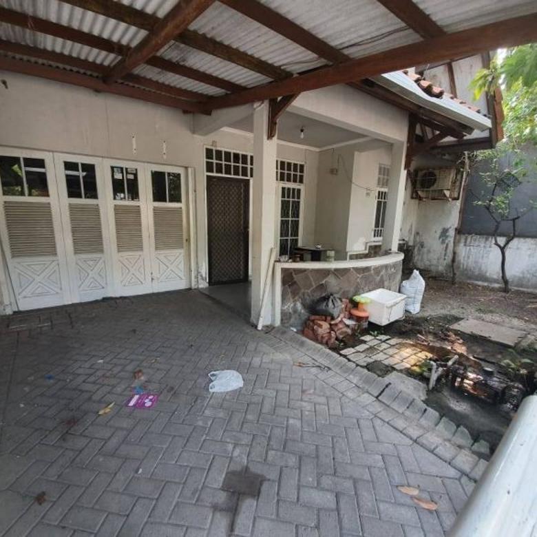 RUMAH MURAH di Babatan Pratama SHM, 1lt, garasi PERLU RENOV