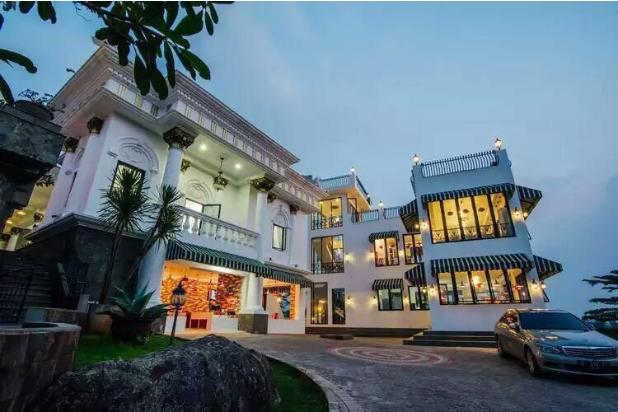 Rp150mily Vila Dijual