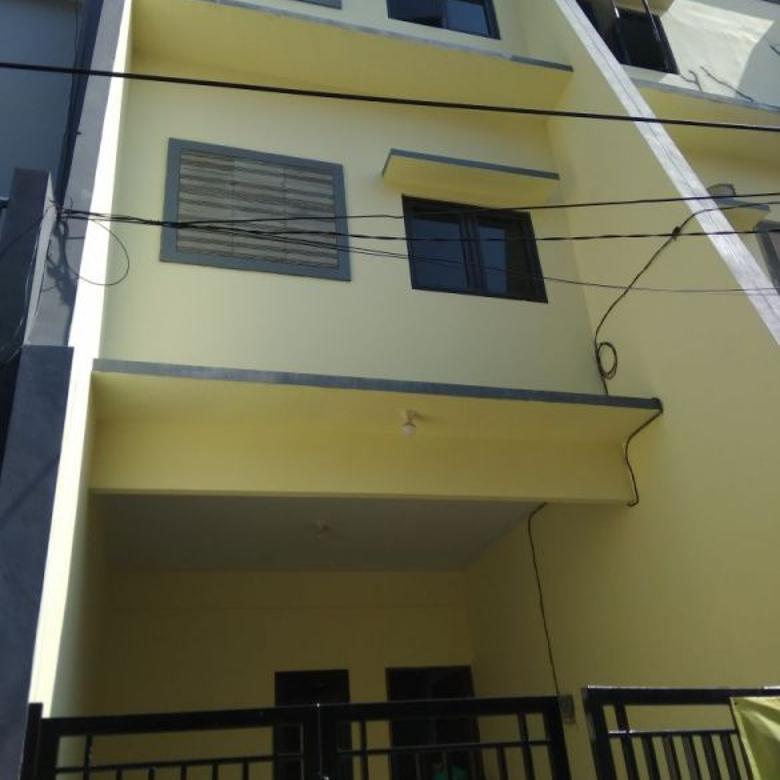 Rumah Baru 3 Lantai di Tanjung Duren Selatan