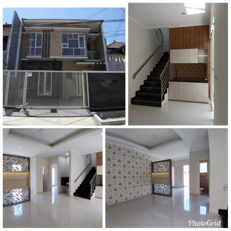 Rumah Manyar Jaya Gress Minimalis Row Jalan Lebar