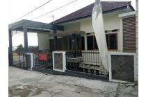 Rumah samping Dago Resort di Awiligar