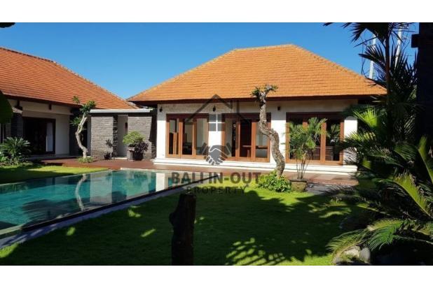 Rp15mily Vila Dijual