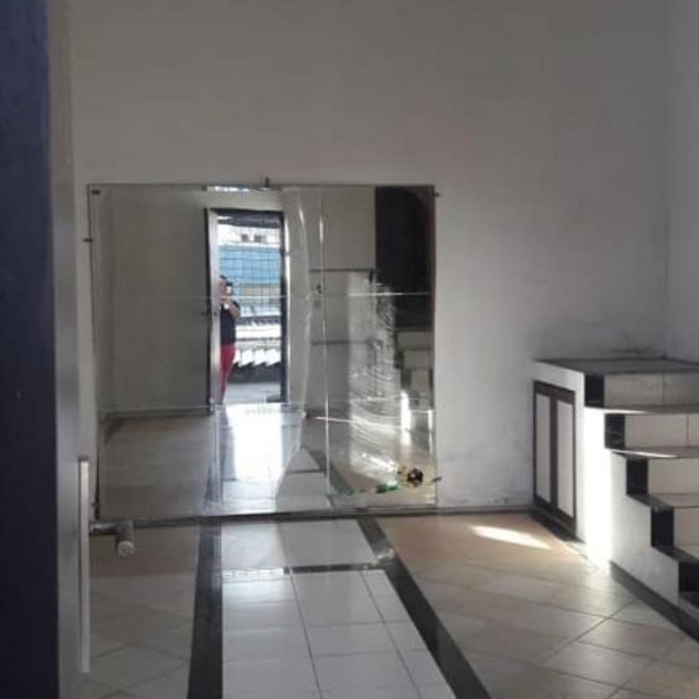 Dijual cepat rumah siap huni di Citra 6 Jakarta Barat
