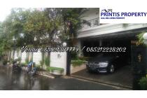 Dijual Rumah 2 Lantai di Jl. Hanglekir II, Simprug, Jakarta Selatan