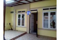 Dikontrak rumah dekat stasiun. Taman royal. Tangerang