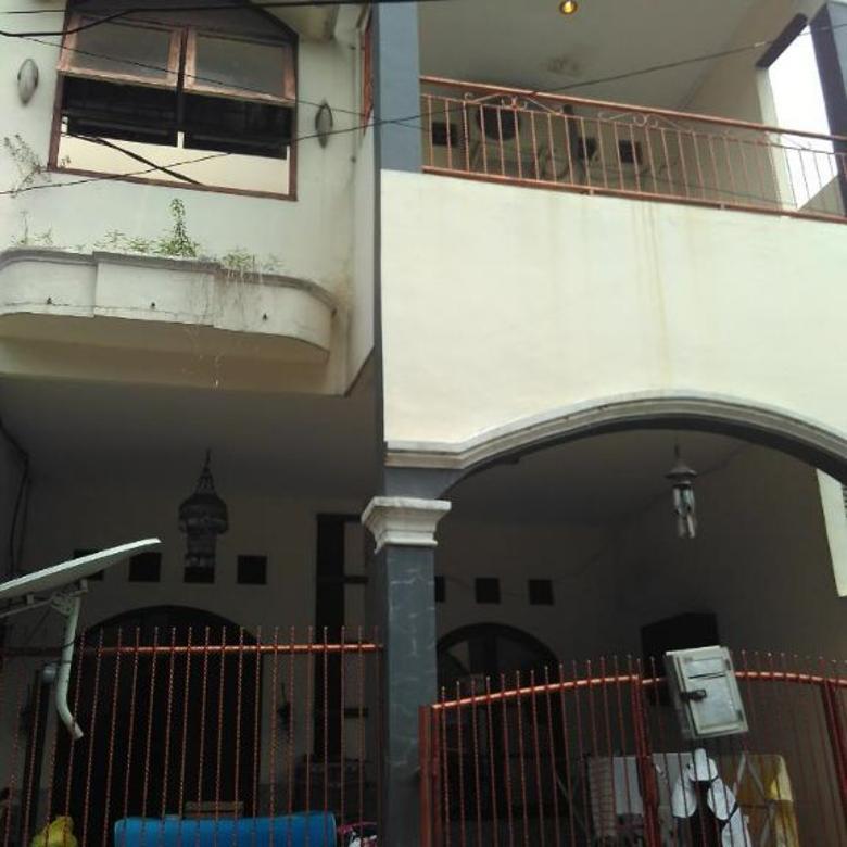 rumah di kompleks dmc jatiwaringin, lingkungan tenang dan aman