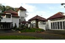 Rumah bagus posisi Kuldesak ada swimming pool Tirta Golf Bsd
