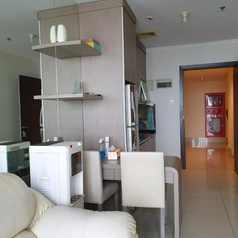 Apartemen central Park 1BR FUll FUrnished Lantai Sedang