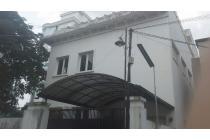 Disewakan Rumah/Kantor 2 1/2lt lokasi dkt hotel adimulia dan sun plaza