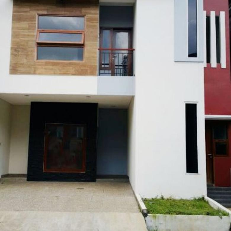Rumah Cantik dan Nyaman di Puri Bintaro