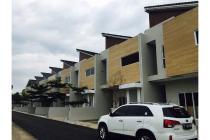 Dijual : Rumah Baru di Lebak Bulus LT.225 / LB 225 Harga 5M nego