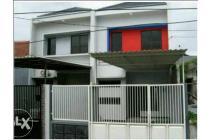 rumah minimalis 2 lantai dekat merr