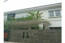 Rumah Istimewa di Tebet Barat Jakarta harga SPECIAL