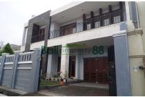 Sewa rumah luas renon  400 m2 Denpasar. semi furnish