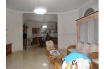 Rumah lux Full jati 100 meter dari jalan utama Ir. djuanda.