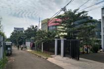 Gedung Kantor 3 Lantai Dekat Stasiun MRT Lebak Bulus