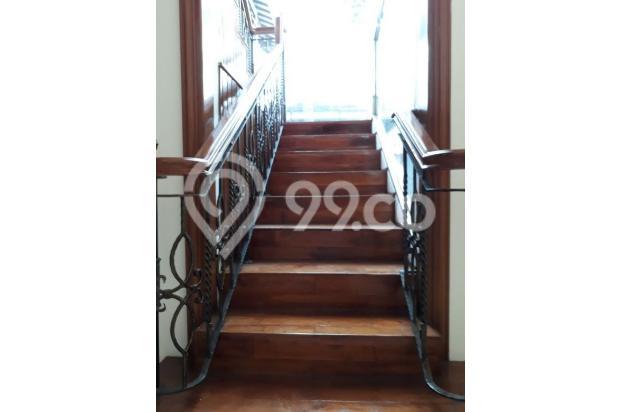 Tangga ke Kamar Atas dan Balkon 16815527
