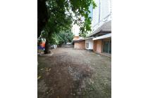 Hitung Tanah Saja, Rumah Satu Lantai Dekat Thamrin NIne Residence