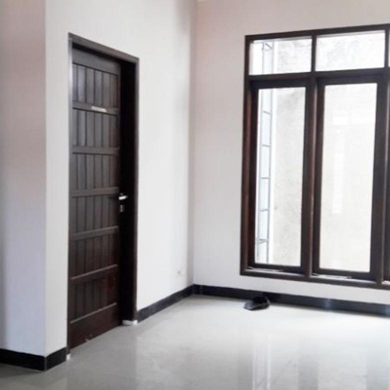 Dijual Rumah Modern Siap Huni di Tengah Kota