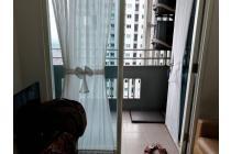 Apartemen Sky Terrace Furnish. View Kolam Renang