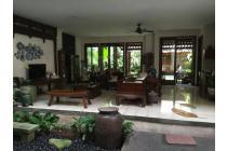 Rumah Artistik Permata Hijau di Jakarta Selatan