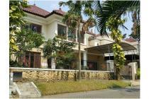 Dijual Rumah MEWAAH Bangunan TERAWAT Darmo Hill Jalan LEBAR