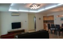 For Rent 3BR Very Nice Apartemen at Hampton Park South Jakarta