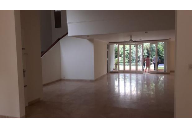Rumah Sewa di Kemang, Jakarta Selatan ~ Swimming Pool ~ Halaman Luas 17793260