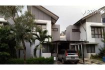 Rumah Serenade Lake , Gading serpong tangerang , LT : 144 m2 ( 9x16) . LB